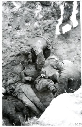 Russians_bury_their_fallen._Kollaanjoki_15.-16.7._1944._Kollaanjoki_15_to_16.7._1944.